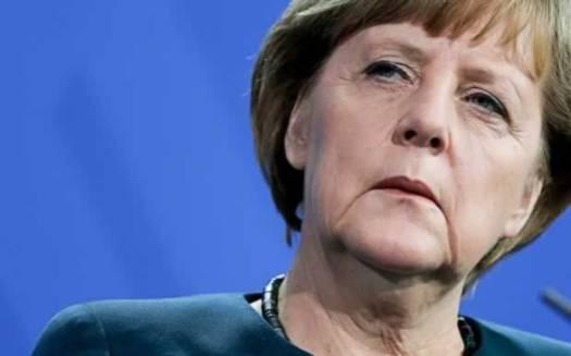 Merkel quer ouvir de Tsipras em pessoa sobre reformas